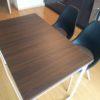 オフィスデスクを木目調のダイニングテーブルに改造する